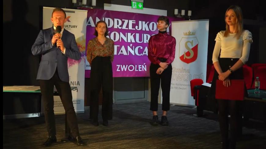Występy oceniało profesjonalne  jury: przewodniczący Grzegorz Mączka, Natalia Koper oraz Daniel Szewczyk.