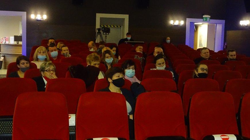 Zdjęcie sołtysów obecnych na spotkaniu z samorządowcami