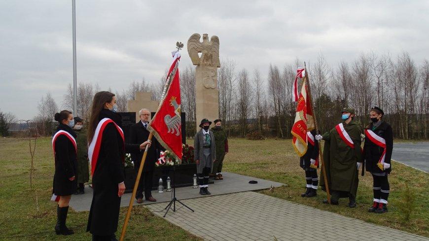Uroczystości odbyły się na cmentarzu przy Pomniku Żołnierzy Niezłomnych